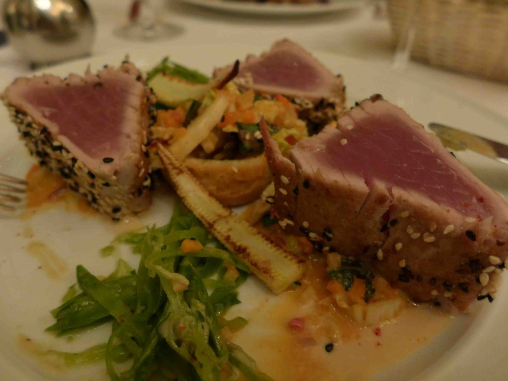 Grosz Berlin Tuna Dish