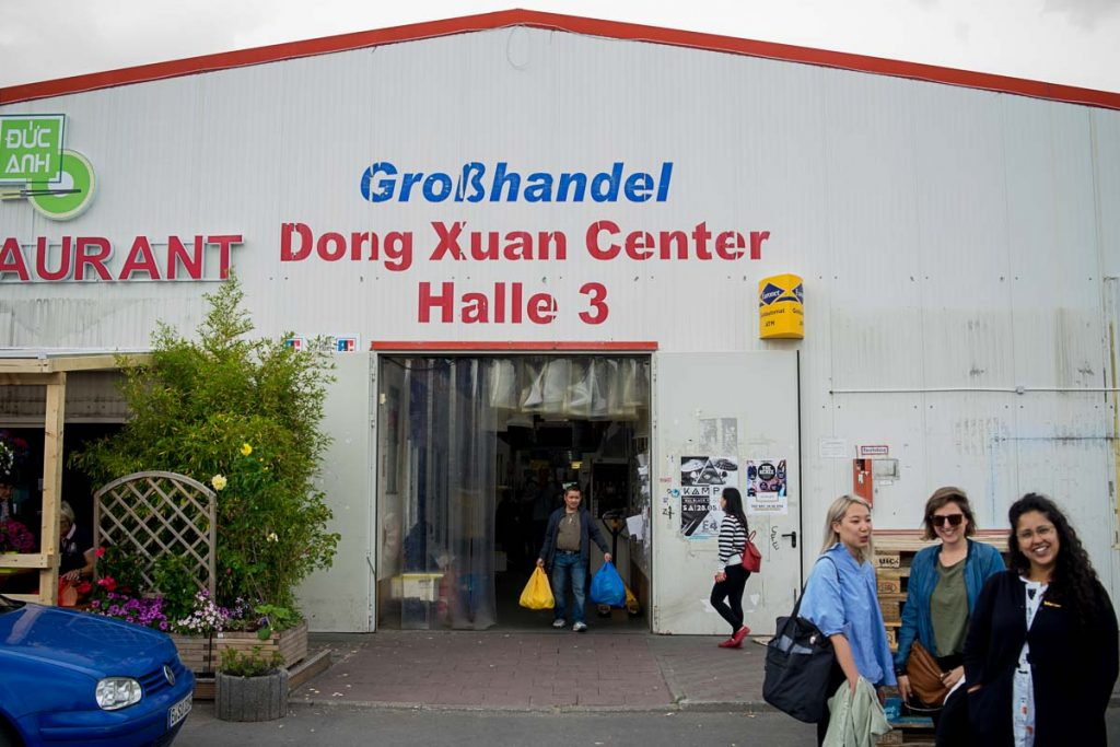 Dong Xuan Center Halle Drei