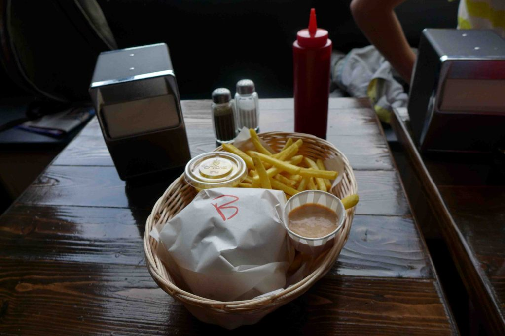 Tommis Burger Joint Berlin Burger