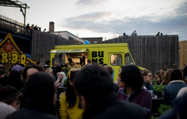 Buns Mobile Berlin Yellow Truck