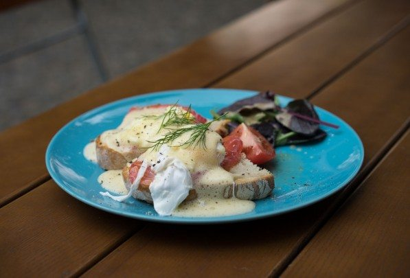 allans-breakfast-club-berlin-eggs-benny