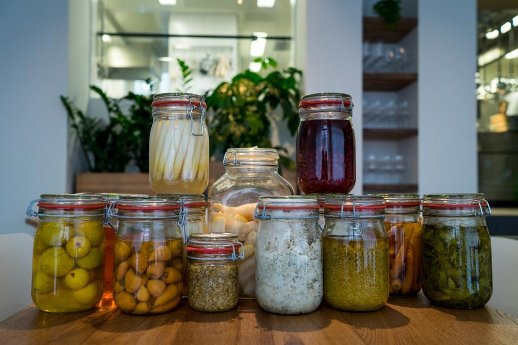 eins-unter-null-berlin-all-pickle-jars